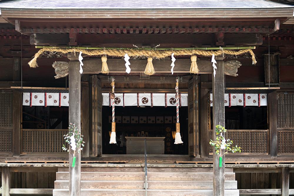 3 拝殿(はいでん)